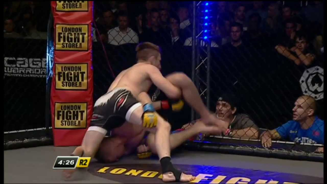Cage Warriors 59: Brett Johns v Jordan Desborough